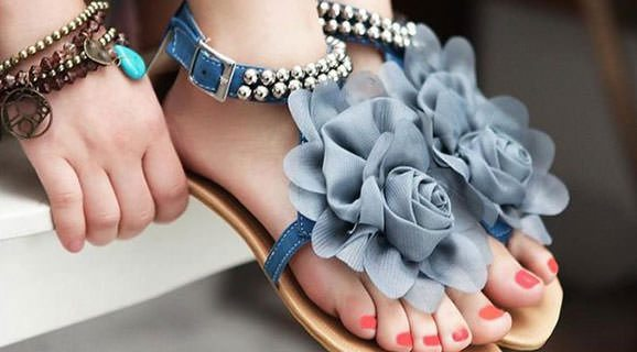 Low Heel Leather Sandals On Sale This Summer