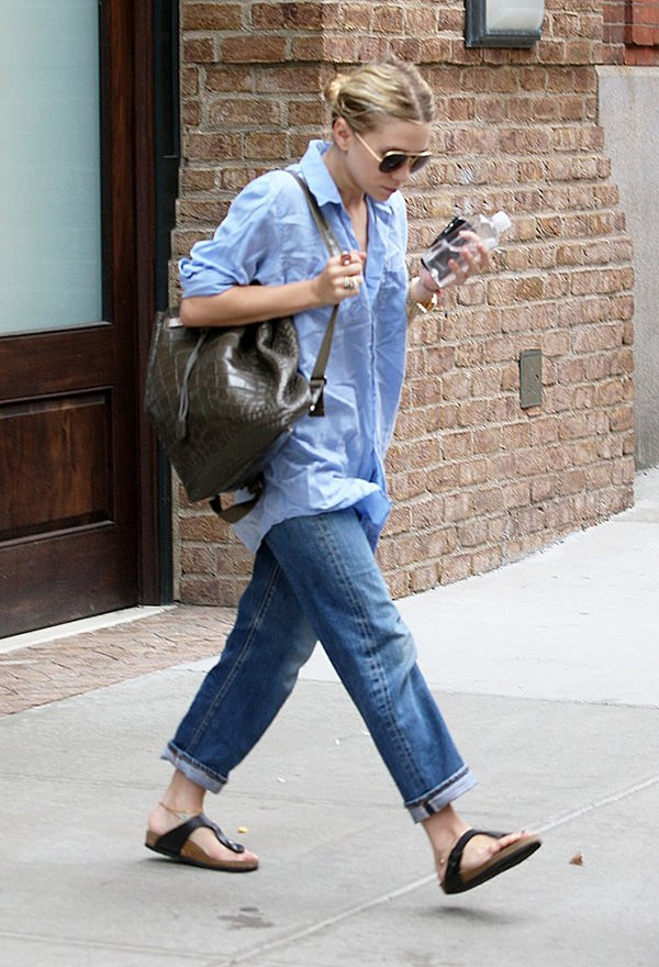 Ashley Olsen Wearing Backpack